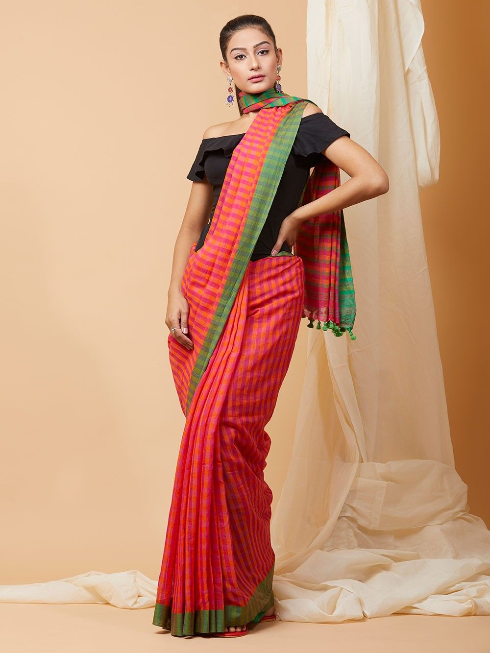 233f126ac37b5 Buy Red Green Checkered Cotton Saree online at Theloom