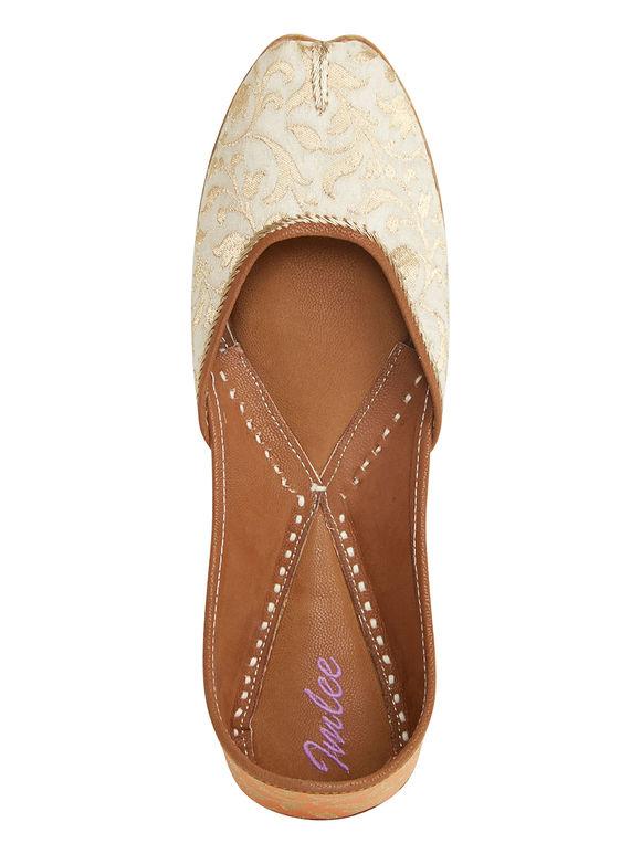 Off White Brocade Leather Mojari