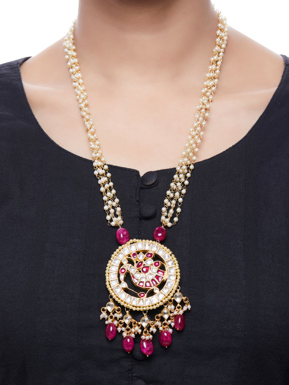 Red Onyx Kundan Gold Plated Pendant Necklace