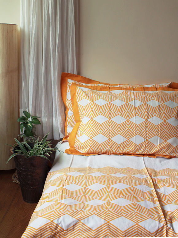 White Yellow Hand Block Printed Cotton Bed Sheet with Pillow Covers