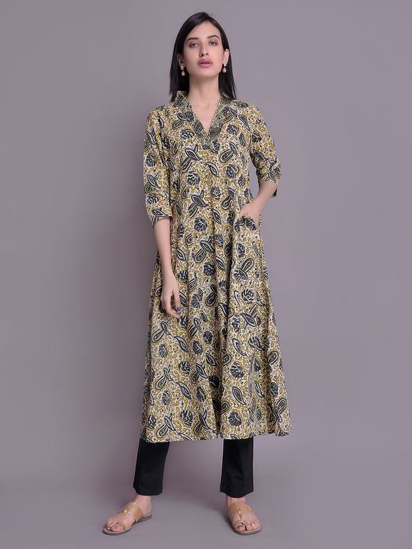 Ladies kurta : Buy Designer Womens kurtis Online - The Loom
