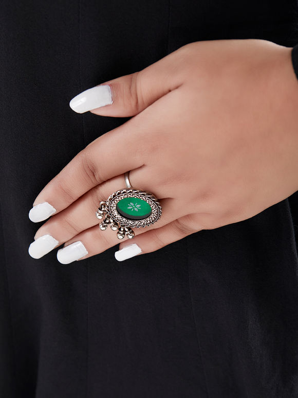 Green Handcrafted Circle Silver Ring
