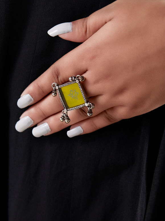Yellow Handcrafted Rhombus Silver Ring