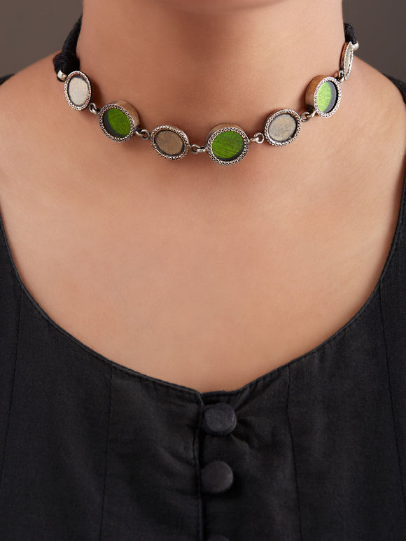 Green Handcrafted Circle Silver Necklace