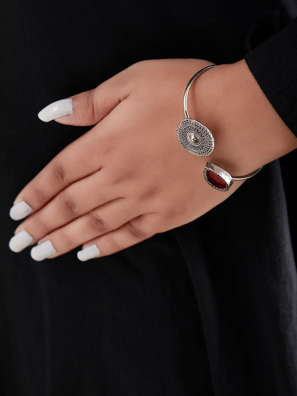Pink Handcrafted Drop Circle Cuff Silver Bracelet