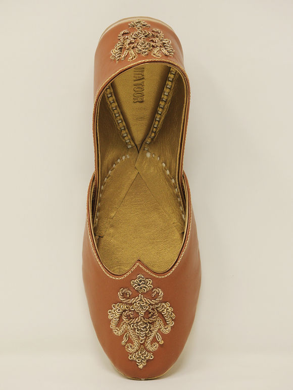Tan Embroidered Handcrafted Leather Jutties