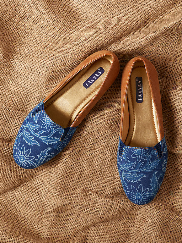 Blue Tan Handcrafted Floral Printed Cotton Loafers