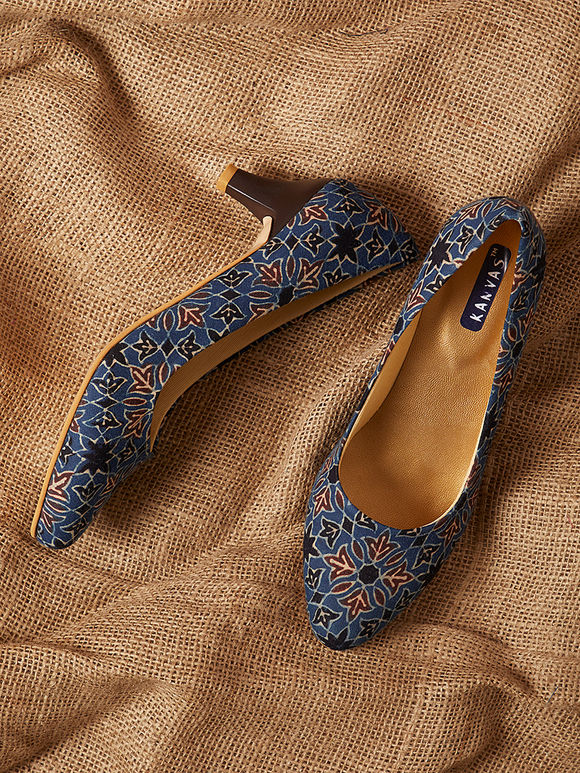 Indigo Handcrafted Ajrakh Printed Cotton Heels