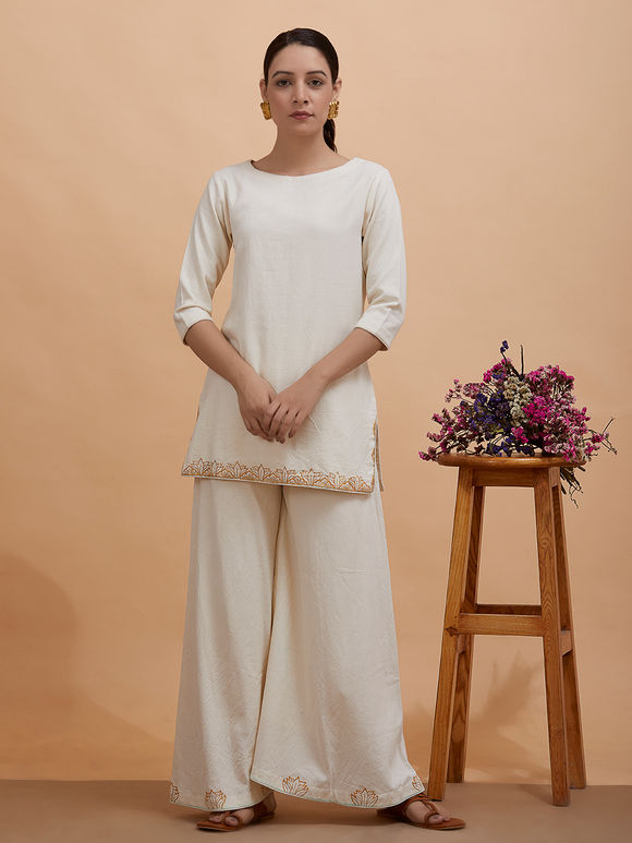 Off White Zari Hand Embroidered Cotton Moss Short Kurta