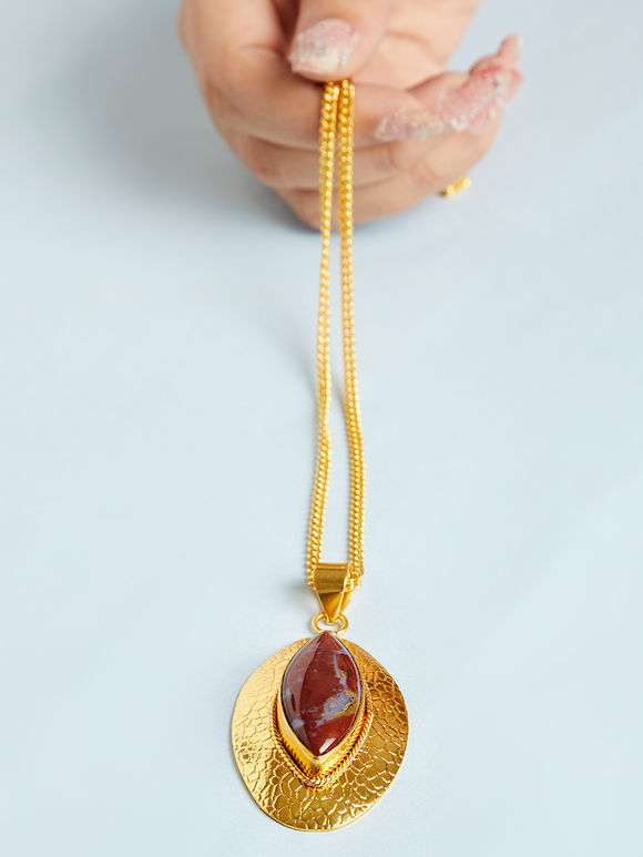 Gold Toned Maroon Natural Stone Metal Pendant Necklace
