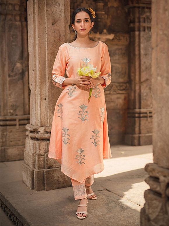 Peach Block Printed Chanderi Asymmetric Kurta with Pants and Olive Green Dupatta- Set of 3