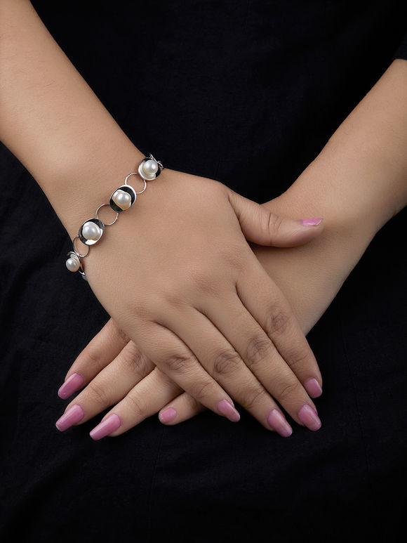 Silver Handcrafted Pearl Bracelet