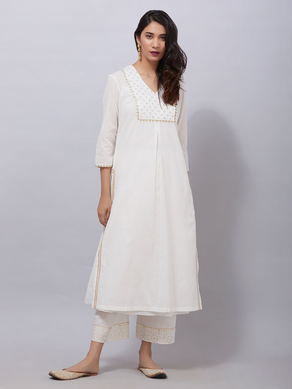 White Zari Embroidered Cambric Cotton Kurta with Rogan Printed Ejar Pants and Chiffon Dupatta- Set of 3