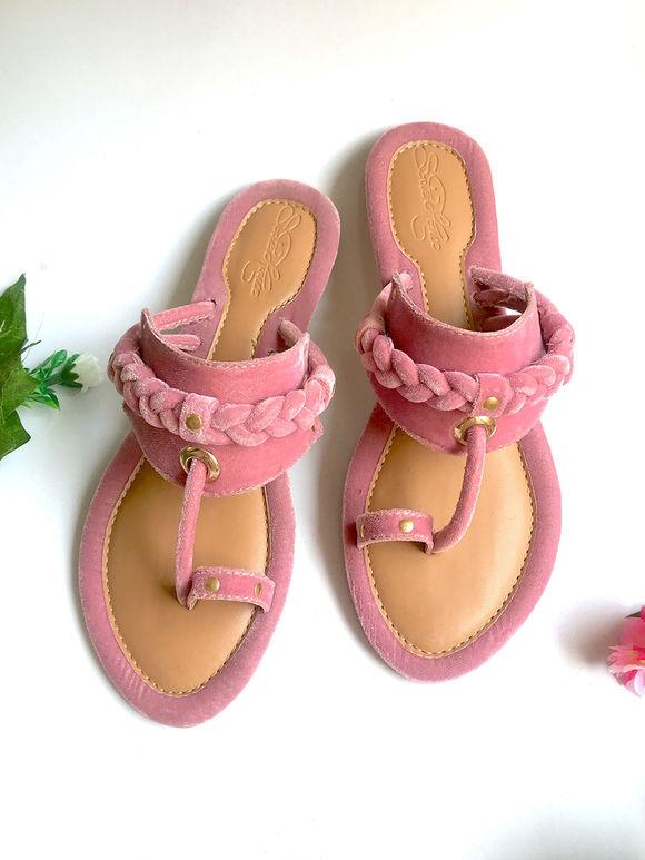 Pink Velvet Kolhapuris