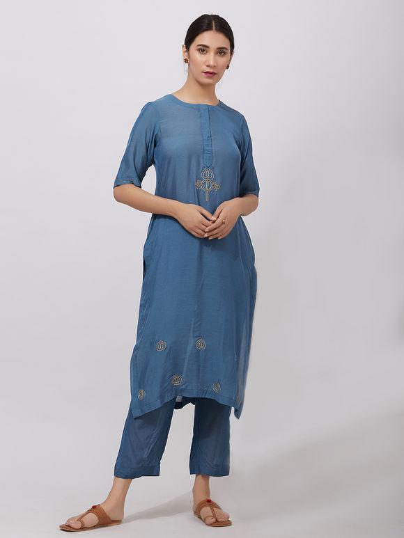 Blue Zari Embroidered Muslin Kurta