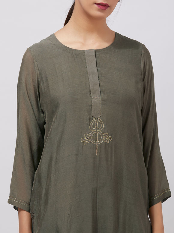 Olive Green Zari Embroidered Muslin Kurta